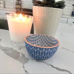 Decorative dip bowl